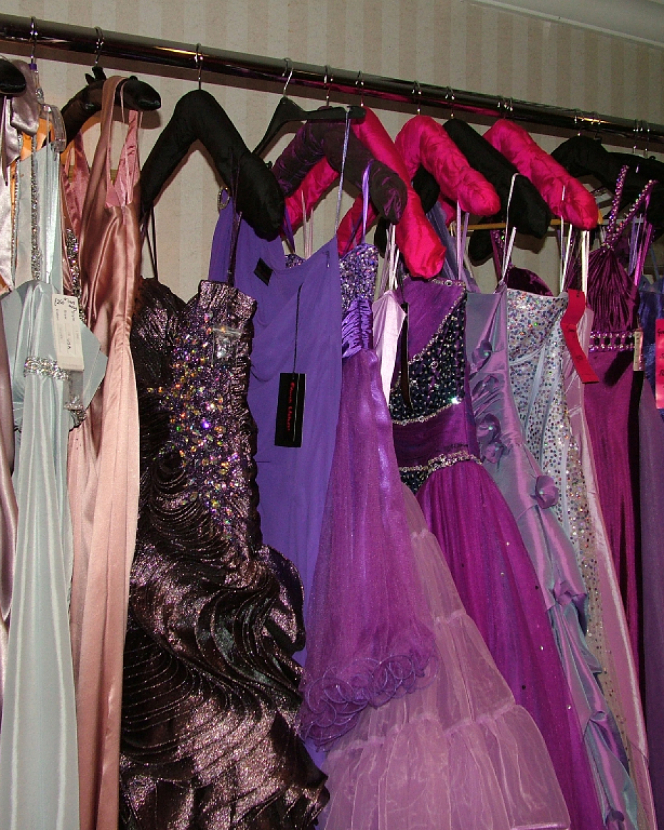 chesterfield prom dress shops