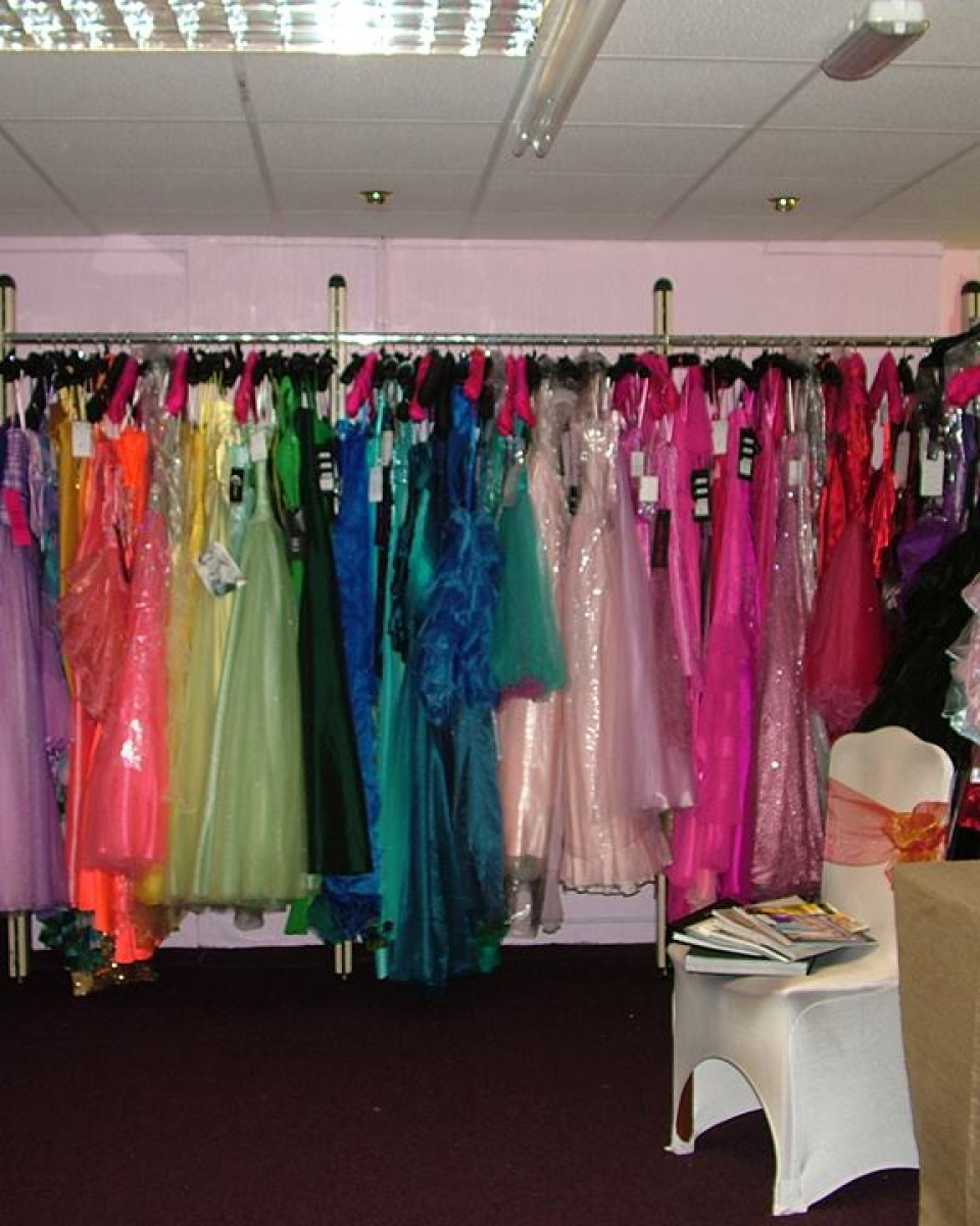 Prom Dresses Swansea. At Blinging Stunning we have a large selection of designer dresses for your school prom. Every girl wants a show stopping dress for that big occasion such as Prom, graduation or Ball and at Blinging Stunning our dresses are certainly show stopping!.